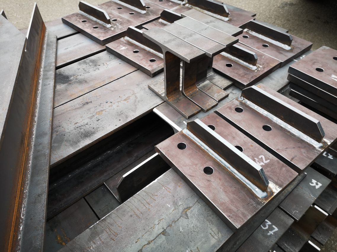 Welding steel structure elements 4