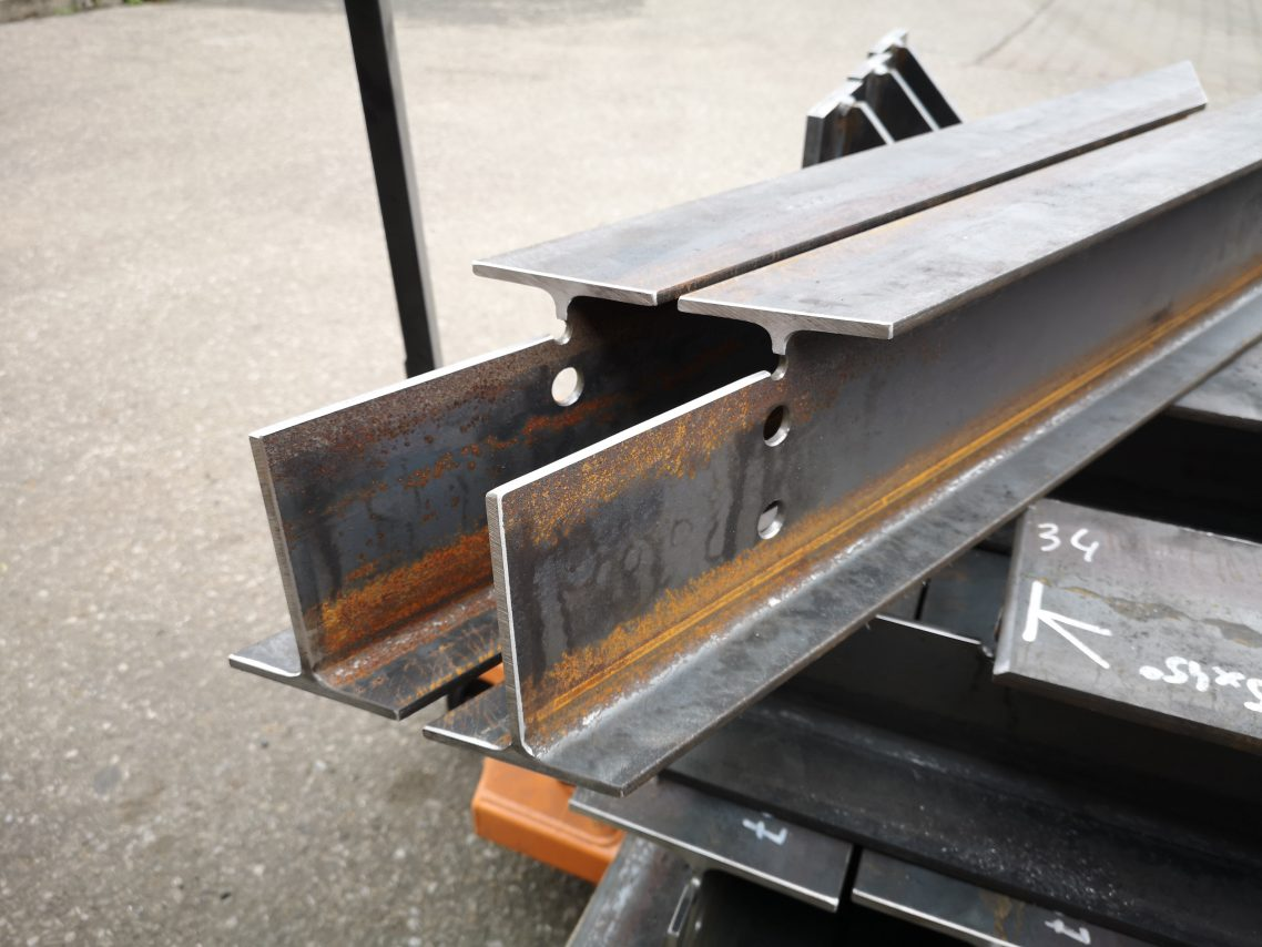 Welding steel structure elements 5